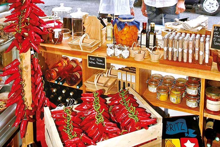 Market selling various pepper products, Pays Basque