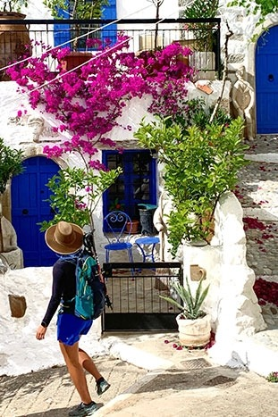 Easygoing Multi-Adventure Tour Santorini & Crete